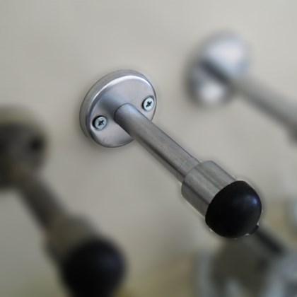 Amortecedor Batedor de Porta Imab 803 Latão Cromado Acetinado Instalar na Parede