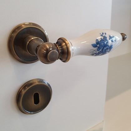 Fechadura Clássica Porcelana com Decalque Floral Azul
