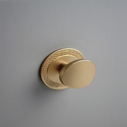 Puxador Beetle com Base Granada Dourado Zen