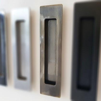 Puxador Concha de Embutir Antique para portas e móveis