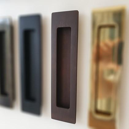 Puxador Concha de Embutir Ferrugem para portas e móveis