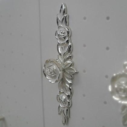 Puxador Floral Branco Provençal 165 com espelho grande